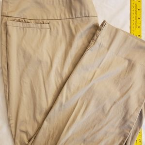Avenue sz. 18 tan chinos
